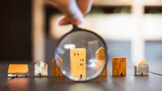 lente di ingrandimento su immobili